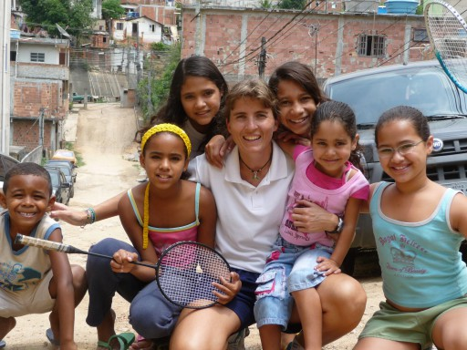 14- Gwen & Kids